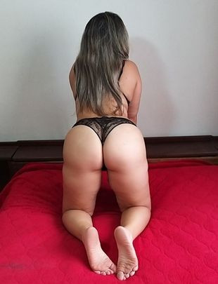 Fernandinha massagista deliciosa com local proprio